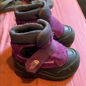 ❄️The North Face girls boots